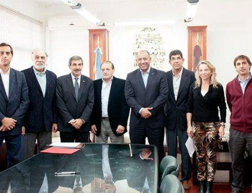 El presidente del CONICET firmó el acta de cesión del terreno para el Proyecto LLAMA