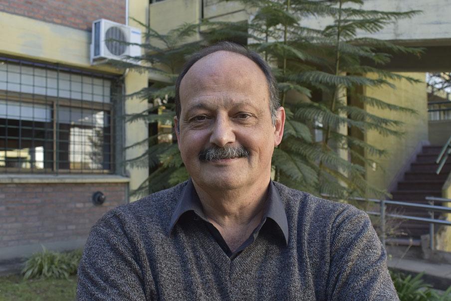 Dr. Alejandro Hernandez